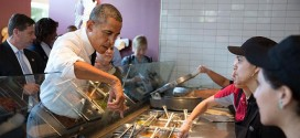 15 Hilarious Responses to Obama Reaching Over Glass at Chipotle
